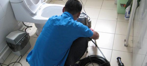 Dịch vụ thông tắc toilet giá rẻ tại Hà Nội